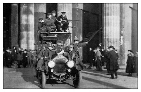 1919-01-01-bolsheviks-04.jpg