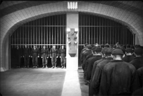 1927-01-10-metropolis-underground-workers.jpg