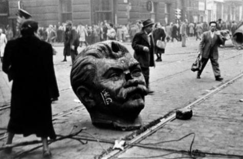 1956-10-23-budapest-stalin-statue-1.jpg