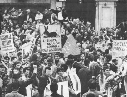 http://www.leftcom.org/files/styles/galleryformatter_slide/public/1962-07-07-piazza-statuto.jpg