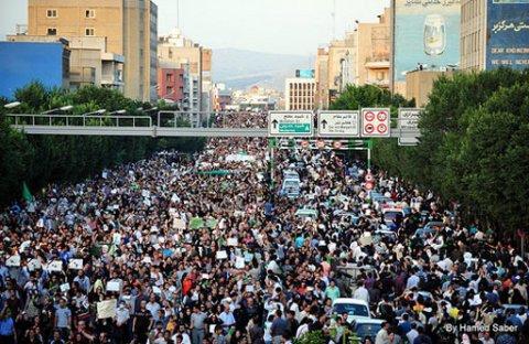 2009-06-18-iran-protest-01.jpg
