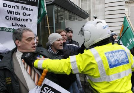 2010-11-26-ireland-turmoil.jpg