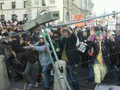 2010-12-09-uk-student-protest-01.jpg