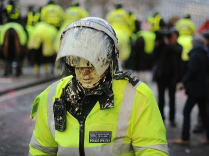 2010-12-09-uk-student-protest-05.jpg