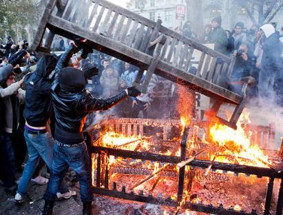 2010-12-09-uk-student-protest-14.jpg