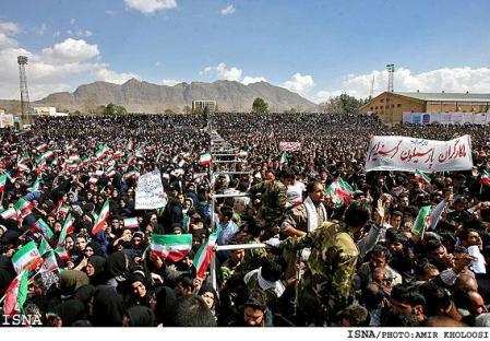 2011-04-17-iran-workers.jpg