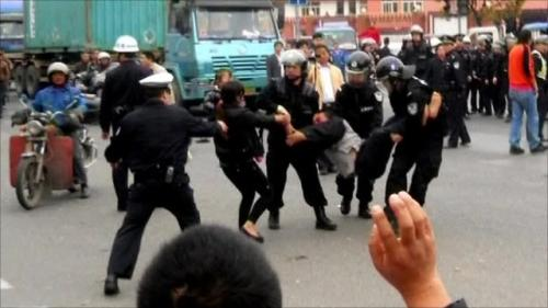 2011-04-22-china-truck-drivers.jpg
