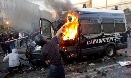 2011-10-15-rome-clashes.jpg