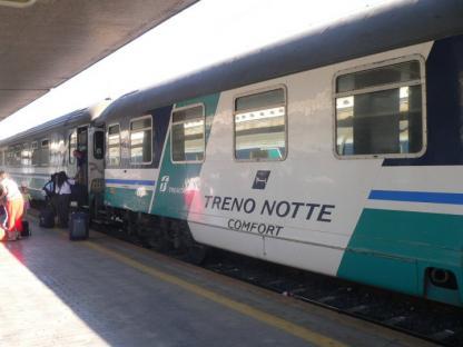 2011-12-03-treno-notte.jpg