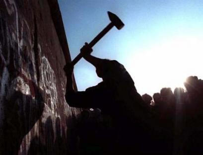 1989-11-09-berlin-wall.jpg