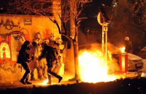 2008-12-14-greece-riots.jpg