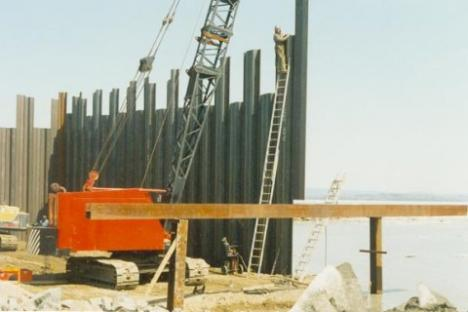 2010-01-16-egypt-wall.jpg