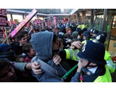 2010-11-11-uk-student-protests-03.jpg