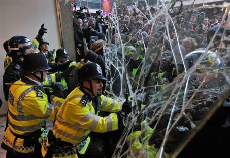 2010-11-11-uk-student-protests-04.jpg