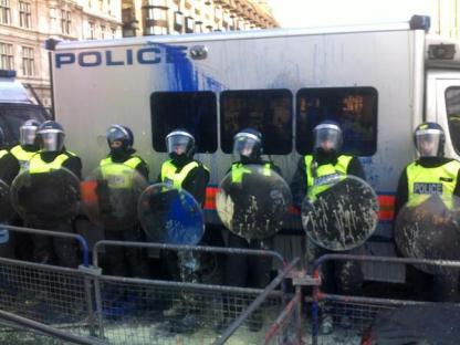 2010-12-09-uk-student-protest-03.jpg