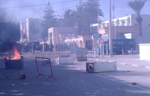 2010-12-18-tunisia-03.jpg