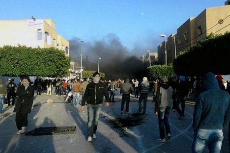 2010-12-18-tunisia-04.jpg
