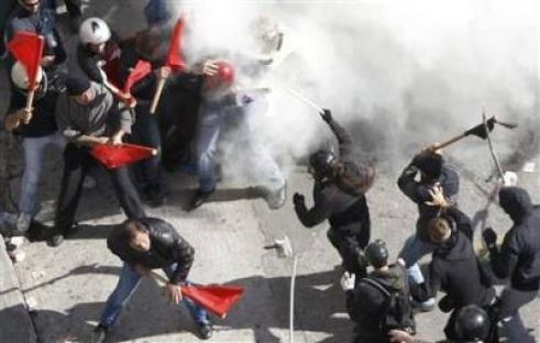 2011-10-21-greece-clashes.jpg